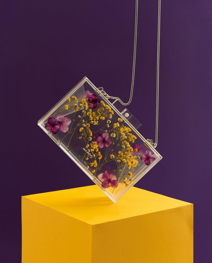 Serie de fotografía editorial de productos de plástico para Revista EME 3 - Bolso Mango - Låpsüs